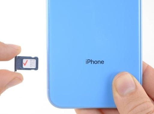 تعویض سیم کارت ایفون XR اپل سرویس ایران